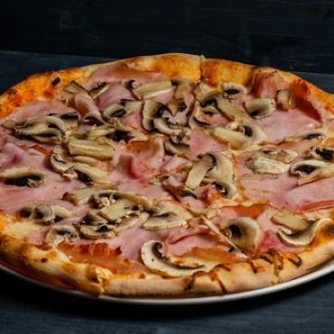 Pizza prosciuto funghi